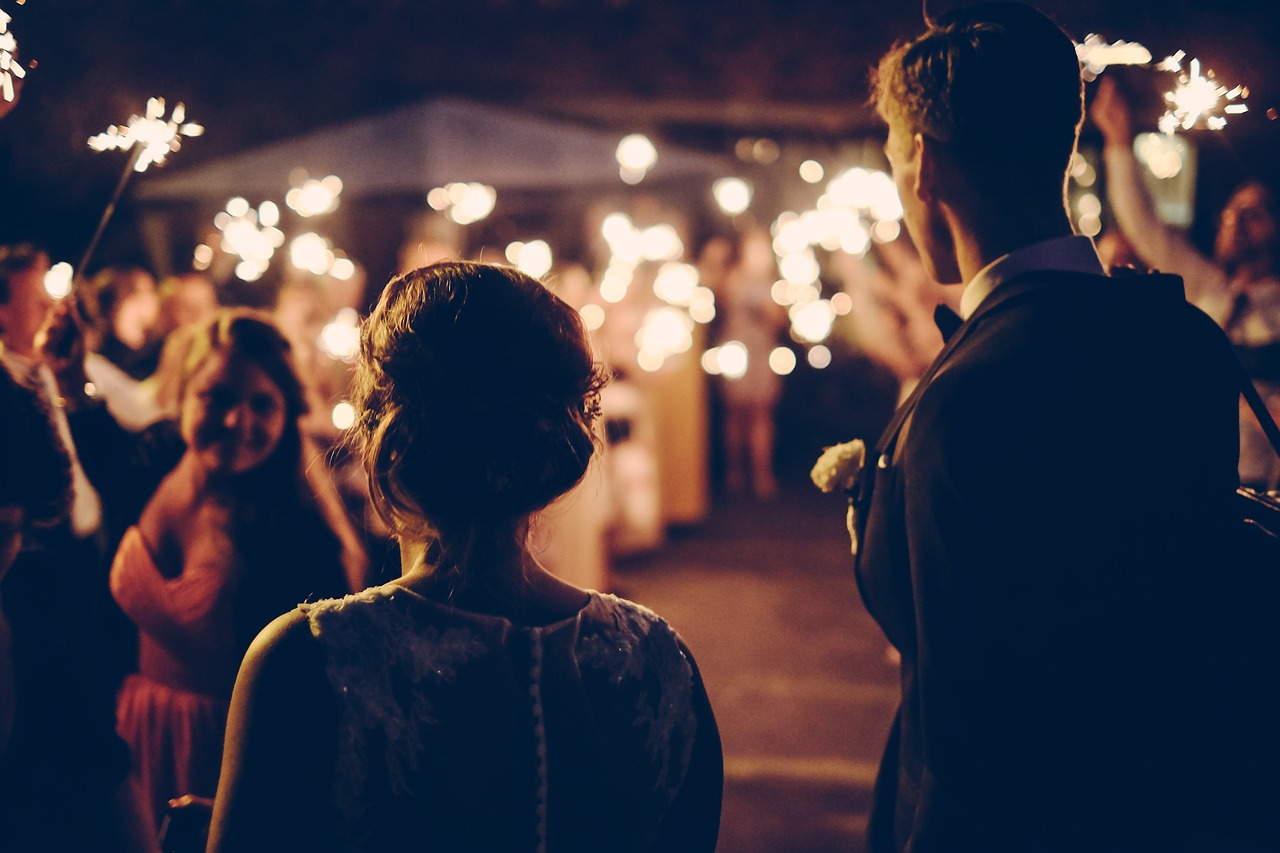 make a wedding newspaper online - Happiedays
