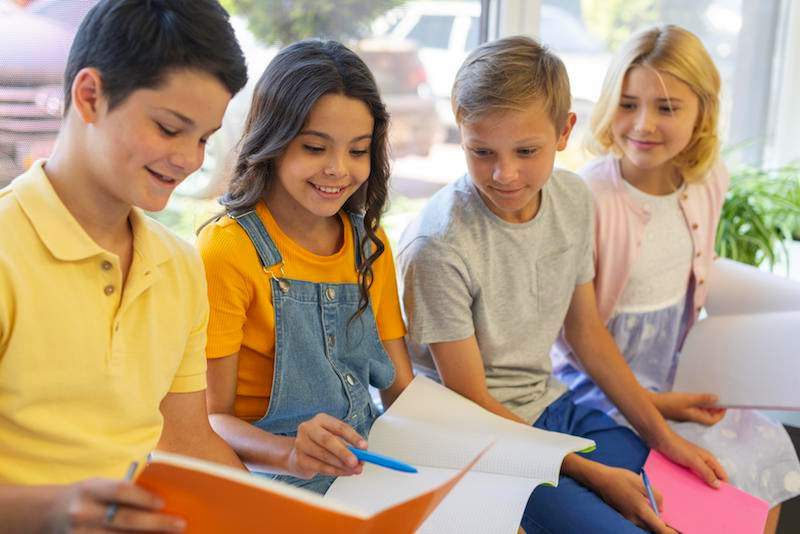 maak a school paper for the start of the school year - Happiedays