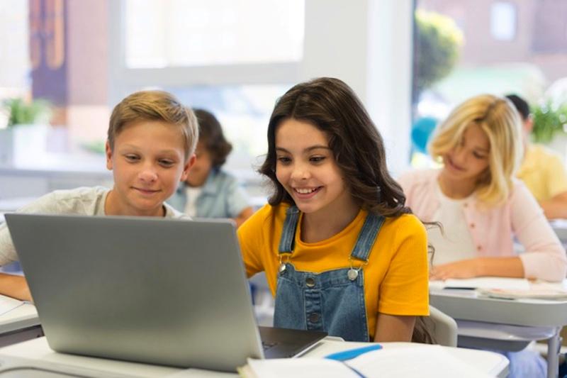 schoolkrant maken voor het heropstart van het schooljaar - Happiedays
