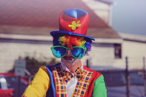 Happiedays maak je eigen krant carnaval