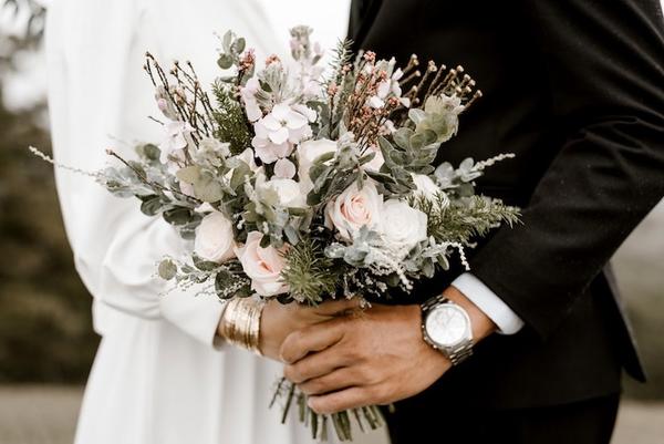 maak een gepersonaliseerde huwelijkskrant - Happiedays