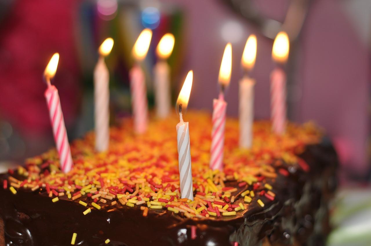 cadeau verjaardag taart
